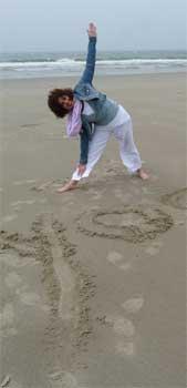 la Salamandre - Baillestavy Frankrijk :Yoga en reinigende groene week|sfeer: jolanda op strand